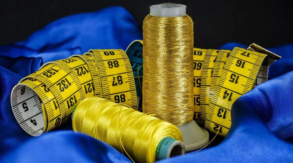 Tkaniny, dzianiny i dodatki krawieckie - Tylko najwyższej jakości, certyfikowane materiały.