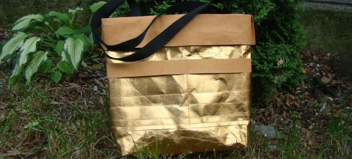 Złota torba z WASHPAPY / washable kraft paper SHINE model JOLA MINI